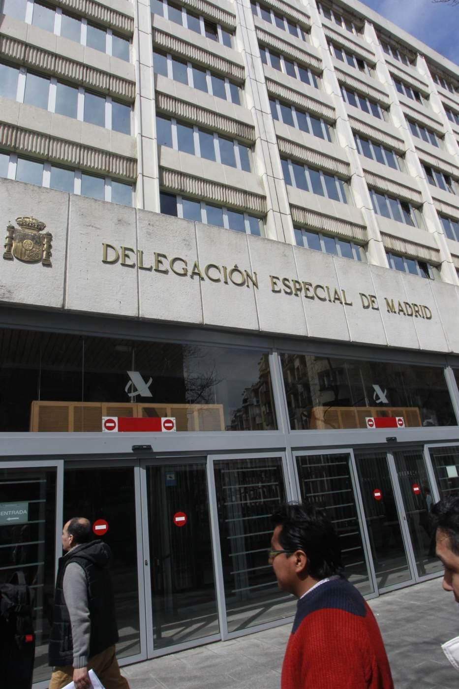 Hacienda devuelve 69 8 millones en canarias durante el for Oficinas de la agencia tributaria madrid