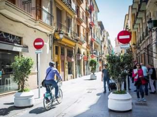 La calle Serranos ya es peatonal