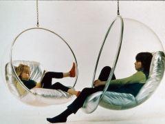 La mayor retrospectiva de Eero Aarnio, diseñador de la silla bola