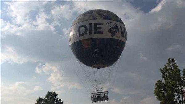 Pánico en un globo turístico de Berlín por un vendaval