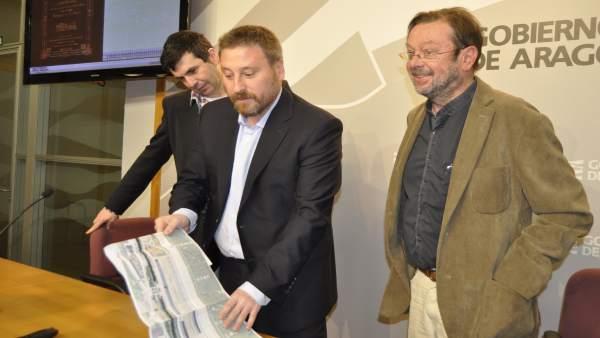 El consejero José Luis Soro (en el centro) durante la presentación