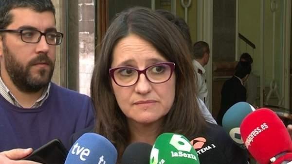 Mónica Oltra atiende a los medios en imagen de archivo
