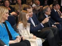 Ahora ha sido la infanta Sofía la que acompañó a Felipe VI al palco del Bernabéu