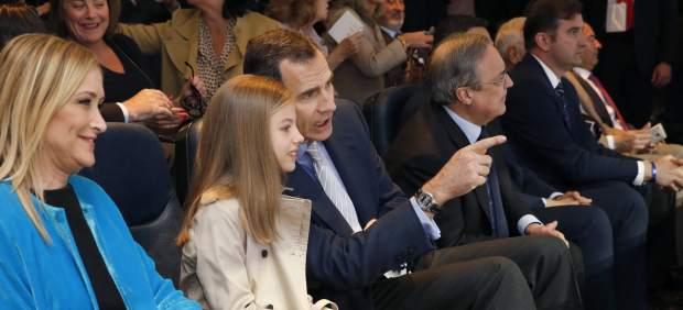 La infanta Sofía y Felipe VI en el Bernabeu