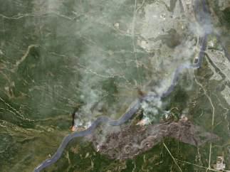 Vista aérea del fuego de Alberta