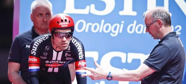 El holandés Dumoulin, primer líder del Giro de Italia
