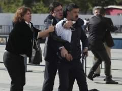Disparan contra el periodista turco Can Dündar