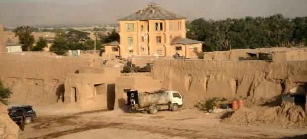 Al menos 50 muertos y 60 heridos al arder dos autobuses y un camión cisterna en Afganistán
