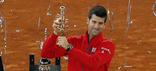 Novak Djokovic vuelve a la senda de la victoria en Madrid