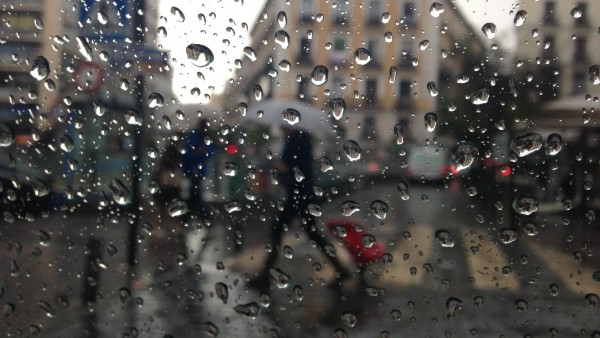 Lluvia, paraguas, mal tiempo