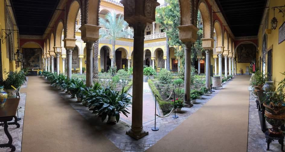 M s de personas visitan el palacio de las due as for Alquiler de casas en lebrija sevilla