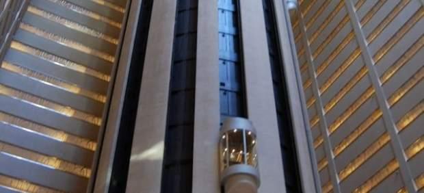El ascensor subirá a 74 kilómetros por hora.
