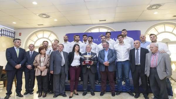 El Club Voleibol Unicaja de Almería, en la Diputación con la Superliga.