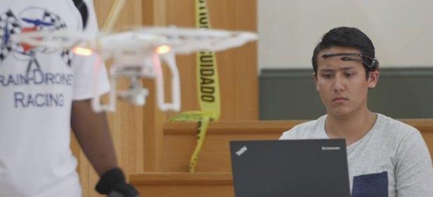 Drone pilotado con la mente