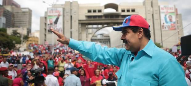 Maduro ordena una movilización militar en Venezuela ante la crisis creciente en el país