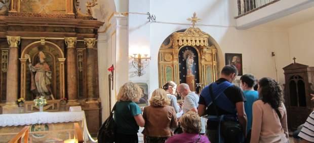 Visitantes del eccehomo en el Santuario de Misericordia de Borja