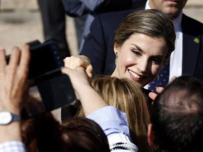 La reina Letizia, en su visita a Villanueva de los Infantes, en Castilla-La Mancha
