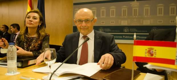 Hacienda desbloquea el fondo de liquidez al cumplir las autonomías los requisitos