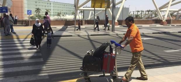Francia investiga al personal de tierra del aeropuerto Charles de Gaulle que se acercó al Egyptair