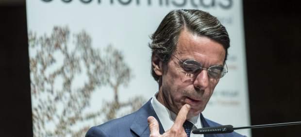 """Aznar pide a Rajoy acelerar la """"corrección del déficit"""" y """"recortar el gasto público"""""""