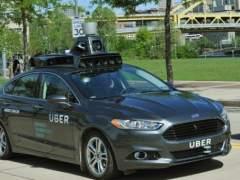Google acusa a Uber de robar tecnología de sus coches autodirigidos