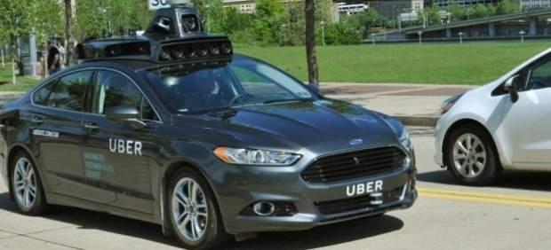 Alphabet, la matriz de Google, acusa a Uber de robar tecnología de sus coches autodirigidos