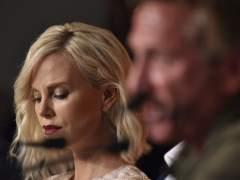 Theron y Penn en Cannes