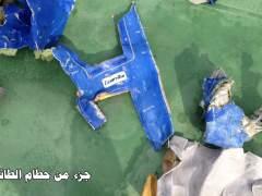 El análisis de los restos humanos del avión de Egyptair apuntan a una explosión en la cabina