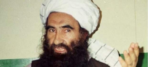 Confirman la muerte del líder de los talibán en un bombardeo con drones de EE UU