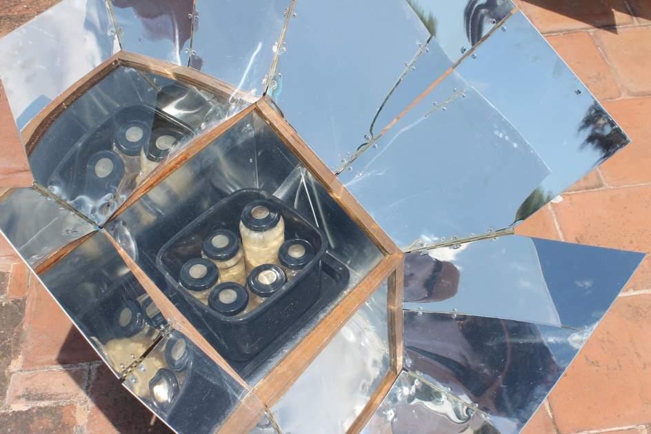 Obra social la caixa e ibanat presentan un proyecto de hornos solares - Pisos de obra social la caixa ...