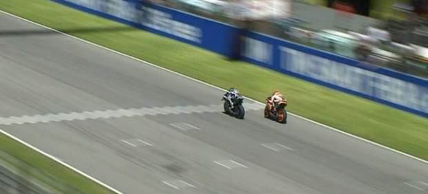 Jorge Lorenzo se impone en Mugello a Márquez en un final que se decidió en la línea de meta