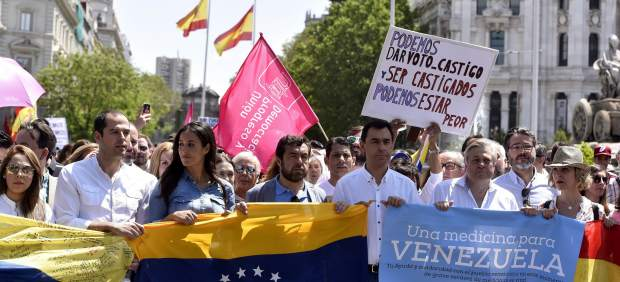 """PP y Ciudadanos participan en la manifestación de Madrid """"por la libertad"""" en Venezuela"""