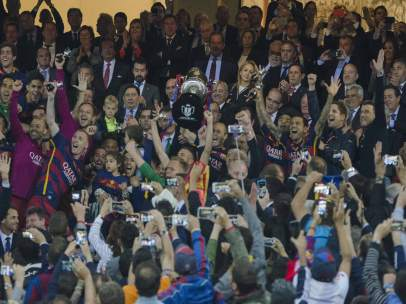 El Barça logra el 7º doblete Liga-Copa de su historia
