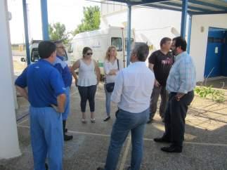 Visita del alcalde de Carmona al colegio Guadajoz