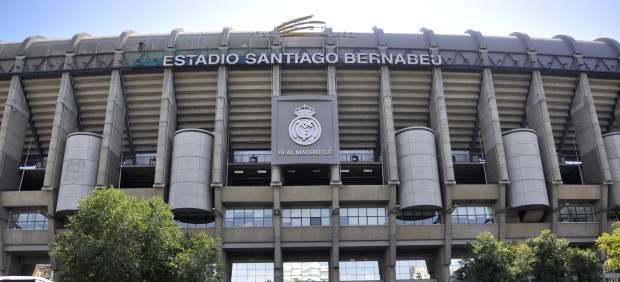 Carmena ultima un acuerdo para prolongar el Bernabéu por la plaza de los Sagrados Corazones