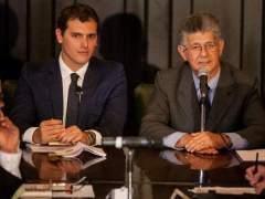 """Maduro: """"La oposición se la pasa invitando a oligarcas del exterior"""""""