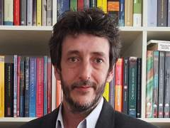 Políticos, másteres, tesis e instituciones