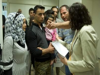 Llegan a Madrid refugiados procedentes de Grecia