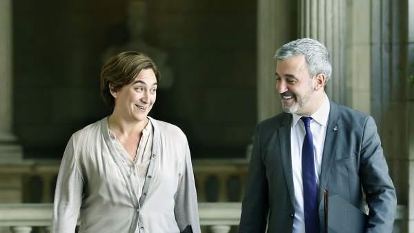 Ada Colau, alcaldesa de Barcelona, y Jaume Collboni, líder del grupo municipal del PSC en el Ayuntamiento.