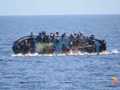 La Marina italiana rescata a 500 inmigrantes y recupera 7 cuerpos