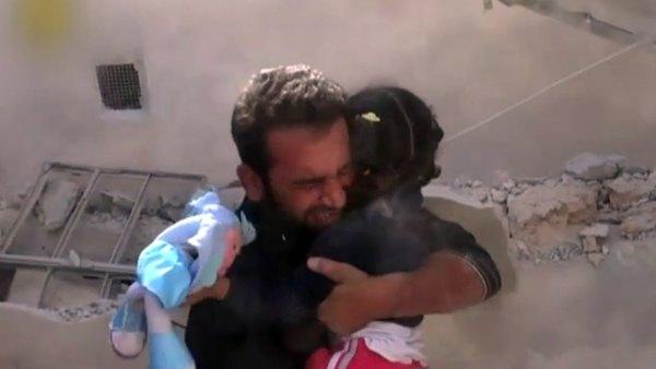 Rescate milagroso de dos niños en Siria