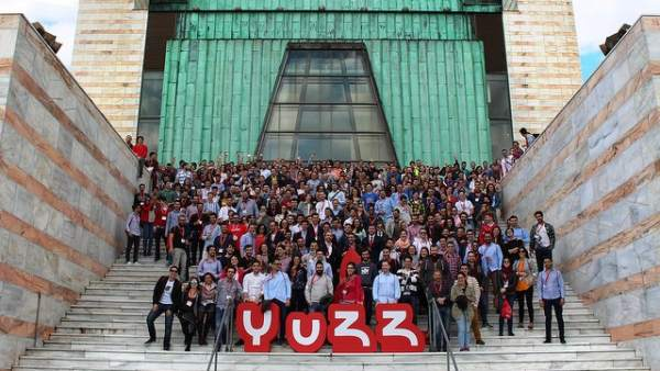 Programa YUZZ para jóvenes
