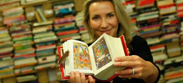 La obra más cara de la Feria del Libro es de Juana La Loca