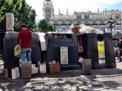 Los robos vacían casi a la mitad los contenedores de papel y cartón de la capital