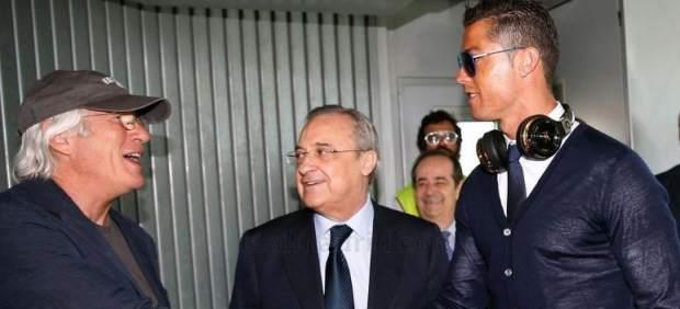 Richard Gere viaja en el avión del Real Madrid a Milán