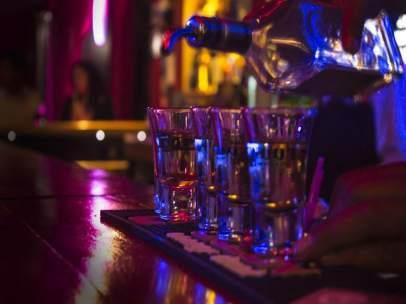 Tequila, copas, bar