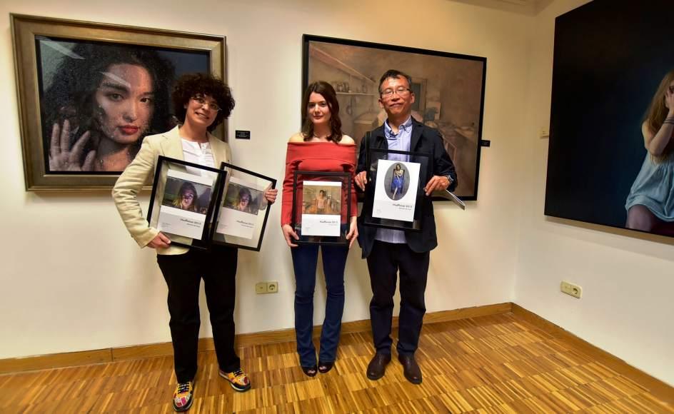 Cerca de 800 personas visitan los retratos finalistas del for Pisos bantierra