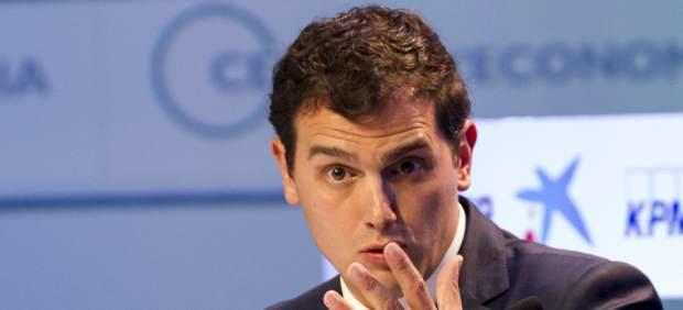 """Rivera insiste en que Rajoy no puede ser presidente tras el 26-J: """"Que nadie piense en su silla"""""""