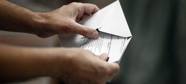 Elecciones municipales y autonómicas, comicios, votar, voto, papeletas, urnas