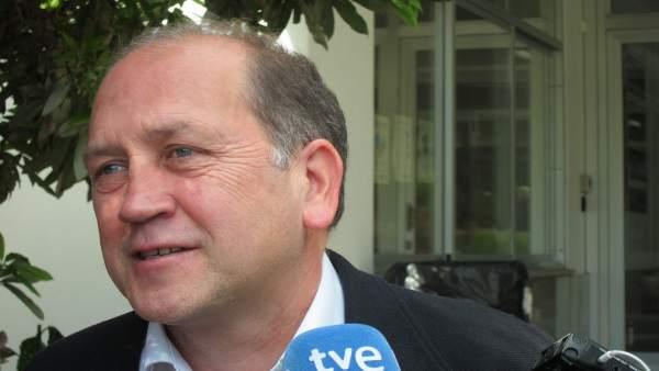 El candidato a las primarias del PSdeG Xoaquín Fernández Leiceaga